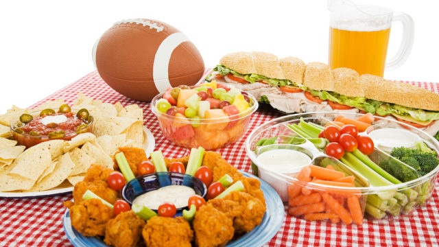 7 Steps to Hosting an Awesome Super Bowl Party