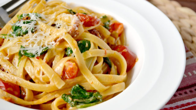Creamy Tomato and Spinach Fettuccine