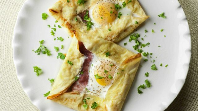 Ham and Egg Crepe Squares