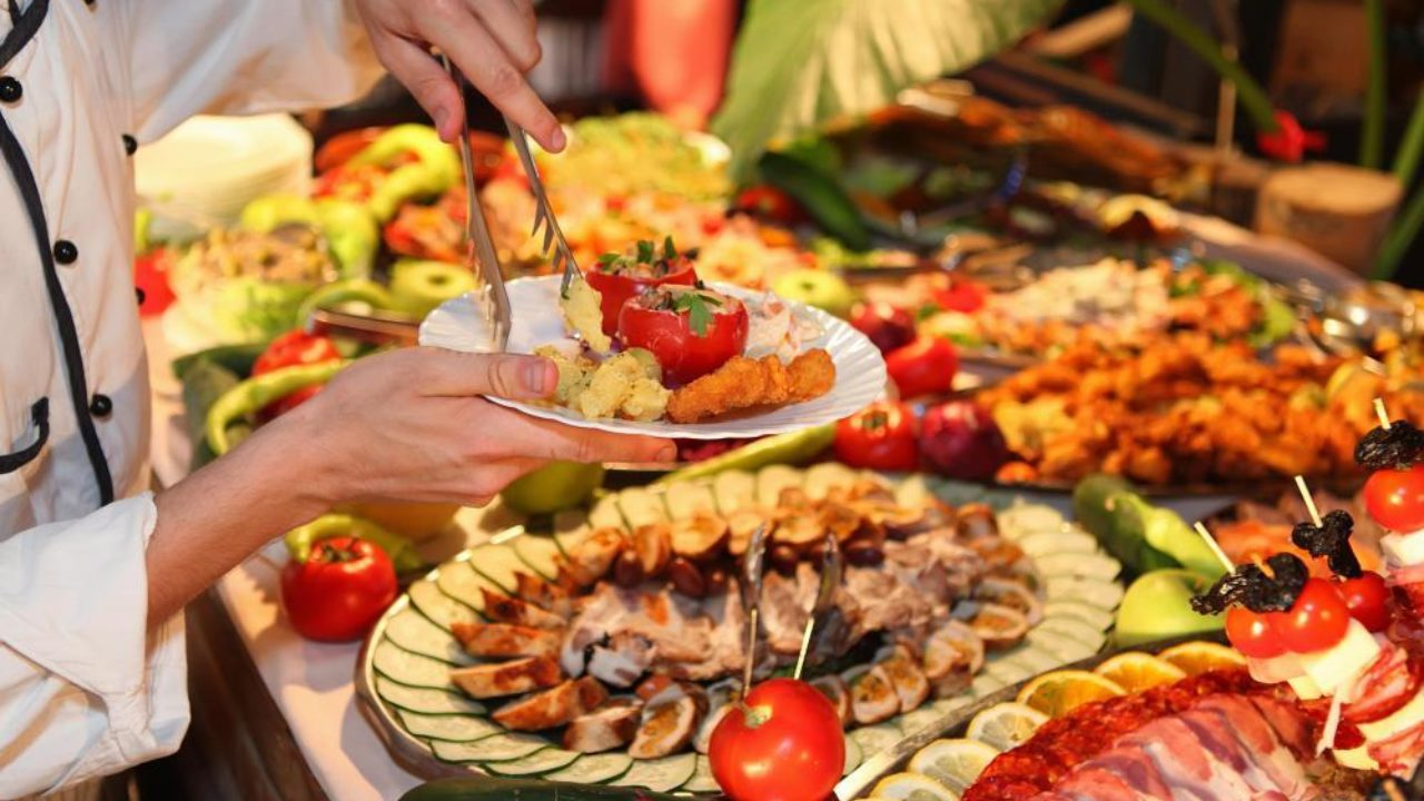 When to Serve Hors D'Oeuvres